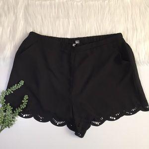 Lauren Conrad Double Scalloped Soft Shorts | Large